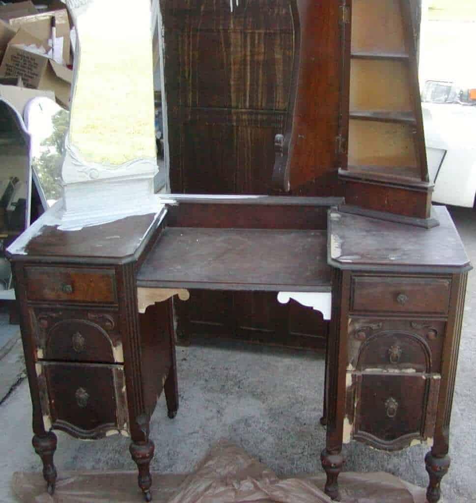 DIY Antique Vanity Makover