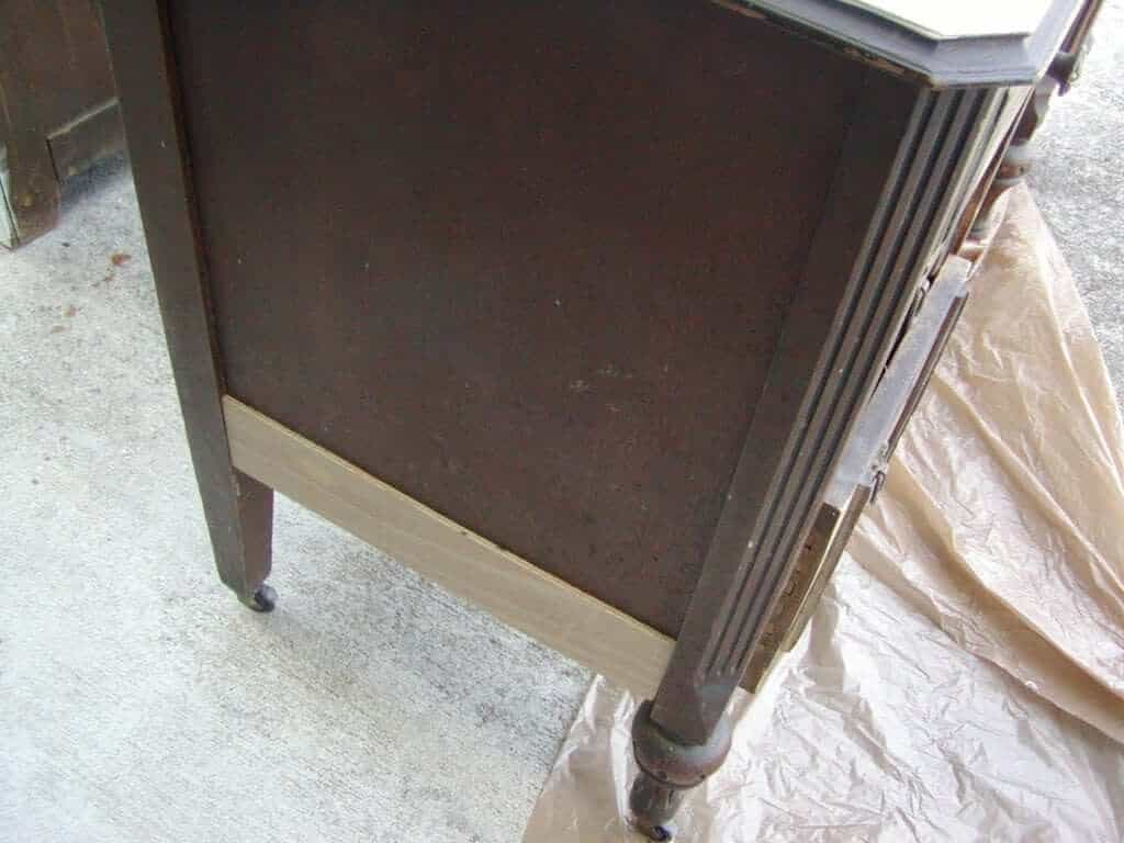 DIY Antique Vanity Makover
